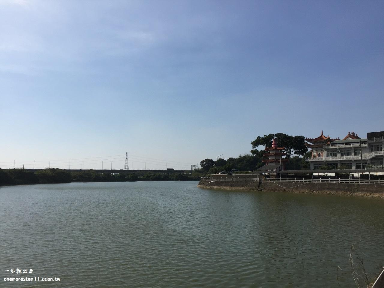 龍湖赤山巖
