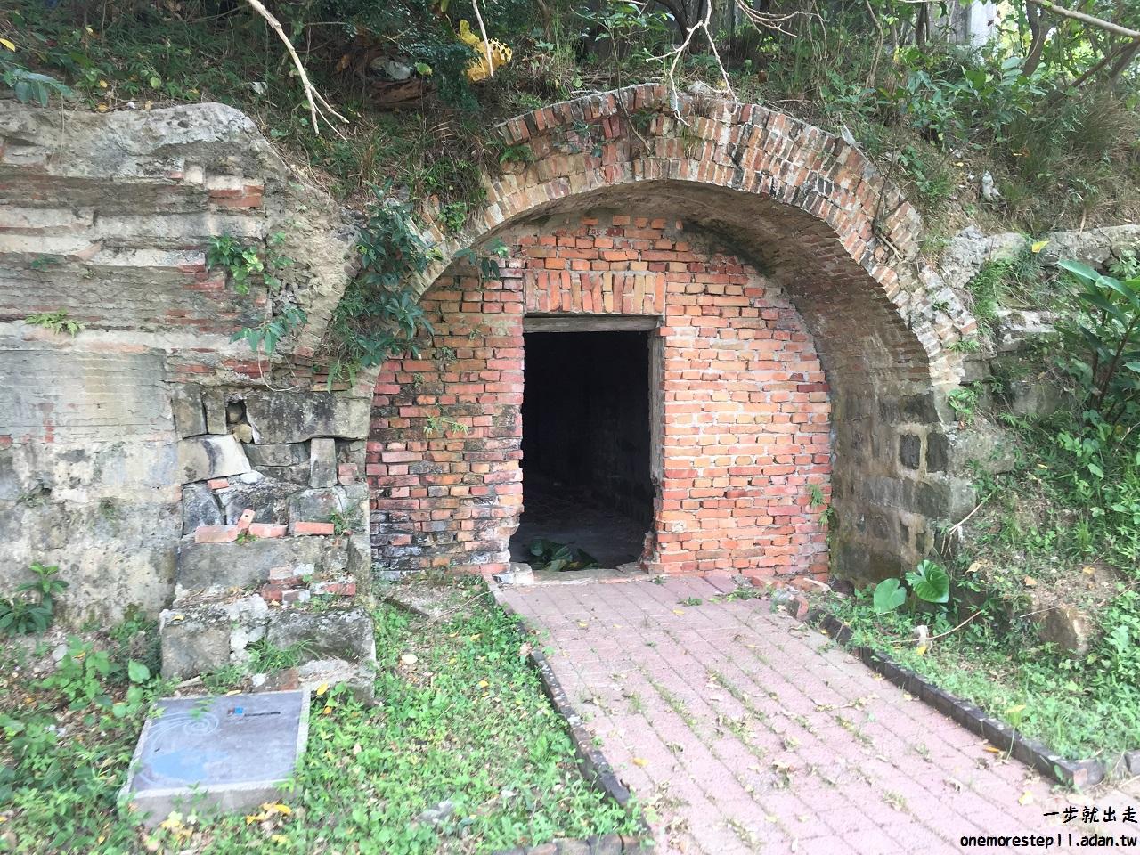 頂石閣砲台